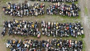 Binlerce motosiklet çürümeye terk edildi