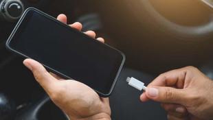 Telefonu şarjda kullanmak bataryaya zarar verir mi ?