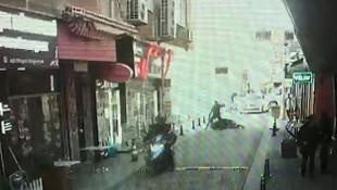 İstanbul'da sokak ortasında beyzbol sopalı dehşet kamerada