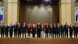 Erdoğan'dan hem kabine de hem de AK Parti'de revizyon hazırlığı!