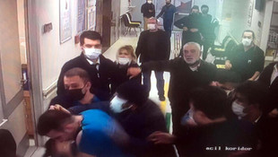 Acil serviste sağlıkçılara çirkin saldırı!