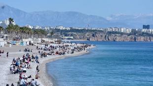 Antalya'ya yaz geldi, korona unutuldu