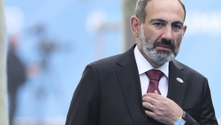 Ermenistan karıştı! Ordu Paşinyan'ın istifasını istedi