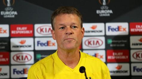 Erwin Koeman'ın Spartak Trnava maçı öncesi basın toplantısı 3 dakika sürdü