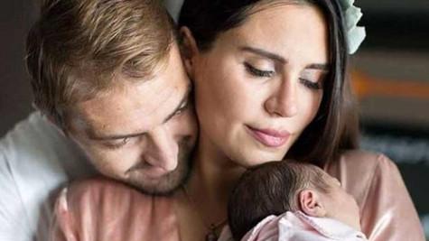 Caner Erkin ile Şükran Ovalı'nın bebekleri yoğun bakıma kaldırıldı