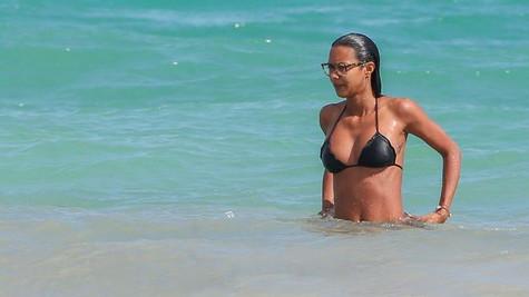 Meksika sahillerinde gözlüklü bir melek: Lais Ribeiro