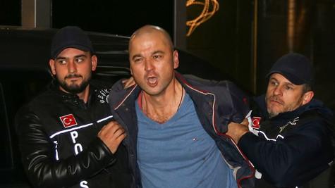 Ünlü isimler Murat Özdemir'e tepki gösterdi