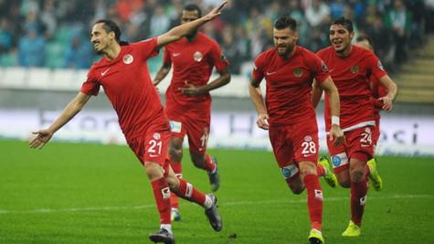 Bursaspor 0 - 2 Antalyaspor (Maç özeti)