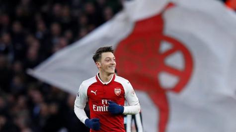 Mesut Özil'in 28 milyon euroya Inter'e transfer olacağı iddia edildi!