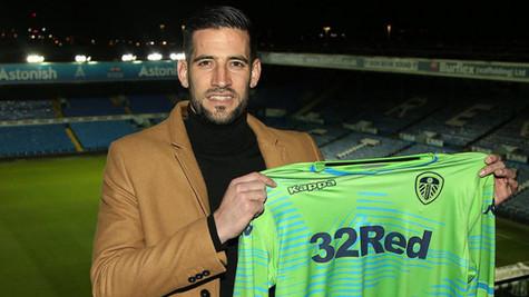 Kiko Casilla, Leeds United ile 4.5 yıllık sözleşme imzaladı