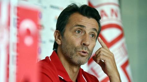 Antalyaspor'dan Bülent Korkmaz açıklaması: 'Bir yenilgiyle hoca değiştirilmez