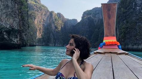 Göksel Tayland tatilini sosyal medyaya taşıdı
