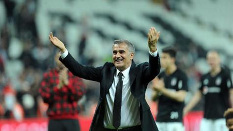 Beşiktaş taraftarı, Kasımpaşa maçından sonra Şenol Güneş'i tribünlere çağırdı