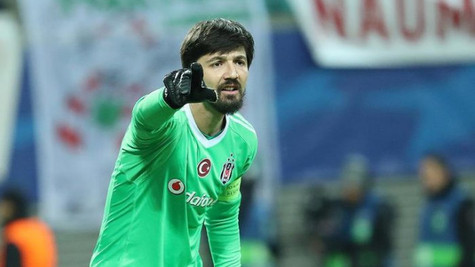 Olaylı Fenerbahçe-Beşiktaş derbisiyle ilgili Tolga Zengin için takipsizlik kararı verildi
