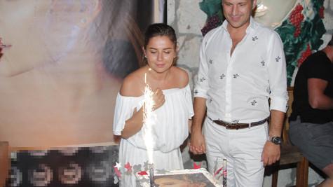 Merve Özbey doğum gününde müjdeyi verdi