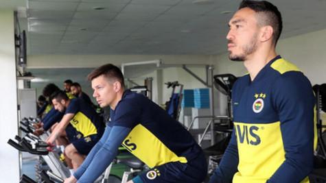 Fenerbahçeli oyuncular evden çalışmaya devam ediyor. İşte o video!