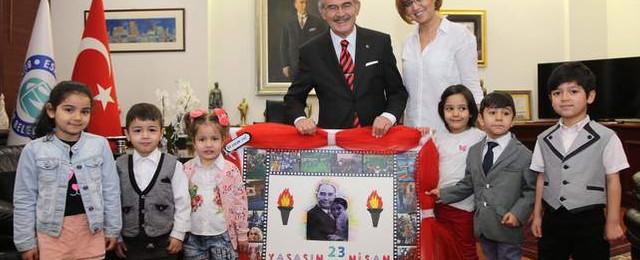Başkan Büyükerşen'in minik ziyaretçileri