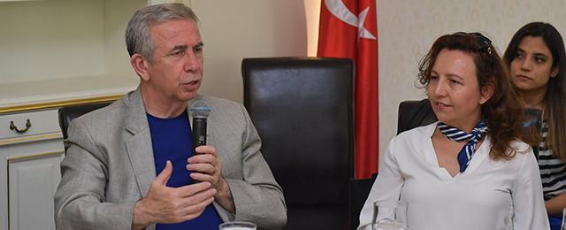 Başkan Mansur Yavaş radyocularla buluştu