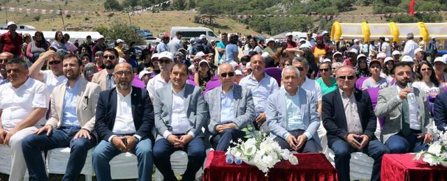 Başkan Yaşar, Elmadağlıların tiridine bandı