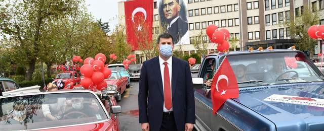 Kadıköy sokaklarında ''Daima Cumhuriyet'' sloganları yankılandı