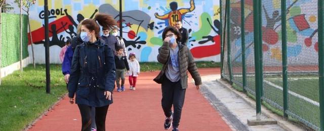 Kartal'ın tamamlanan tesisinde sosyal mesafeli spor başladı
