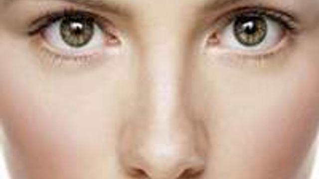 Göz çevrenizdeki yağ bezelerinden kurtulun