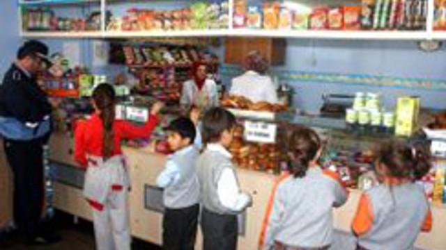 Kantin yiyecekleri çocukları tehdit ediyor