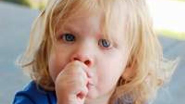 Çocuklar neden parmak emer?