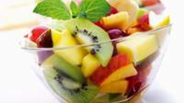 Bir de meyve salatasını deneyin
