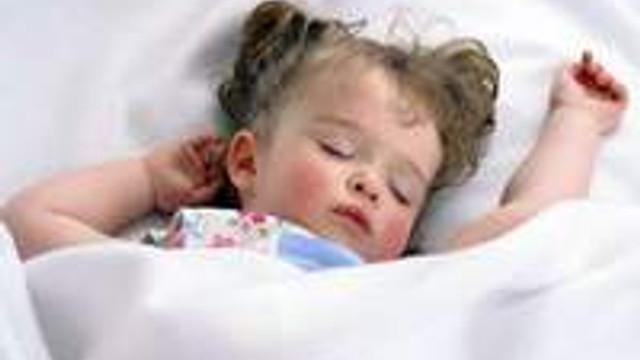 Bebeğiniz nasıl düzenli uykuya alışır?