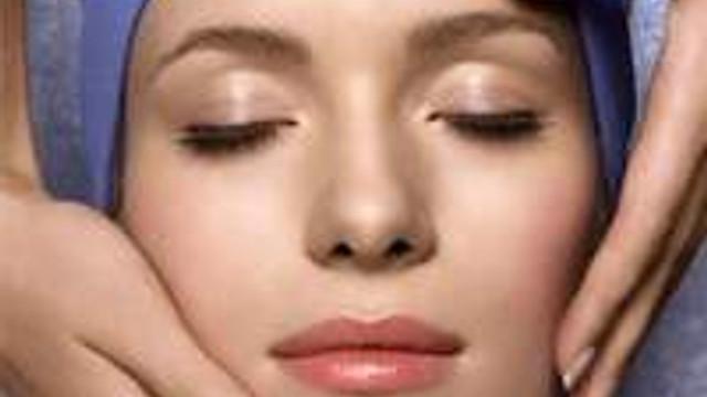 Bu alışkanlıklar cildinizi kötü etkiliyor