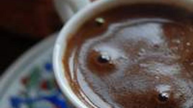 Cildinizi kahve telvesiyle temizleyin