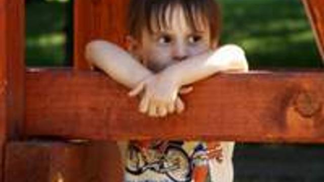 Kendi haline bırakılan çocuk daha mutsuz