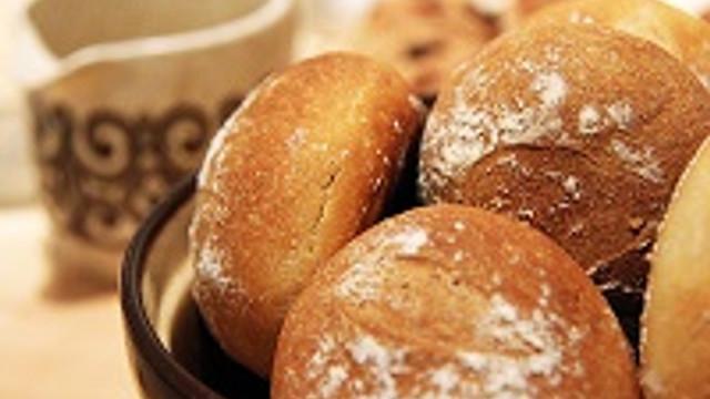 Sıcacık top ekmekler