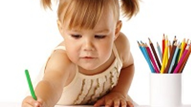 Çocuklar 2 yaşına kadar 3 dil birden öğrenebilir