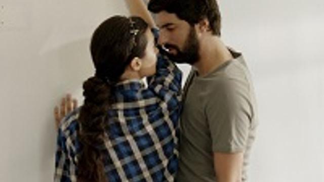 Ömer ve Elif'in aşk oyunu !