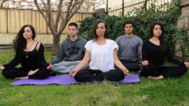 Dizi setinde yoga dersleri başladı