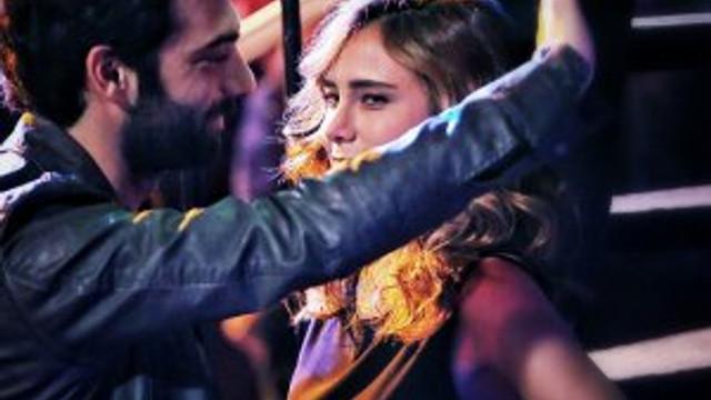 Poyraz Karayel bu kez aşk için esiyor