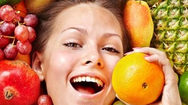 Tatlı yerine meyve ikram edin