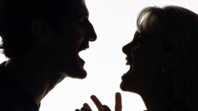 Boşanmanın 9 sebebinden 1'i ekonomik sorun