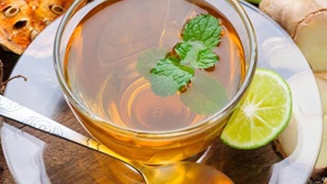 Çalışanlar bol bol bitki çayı içiyor