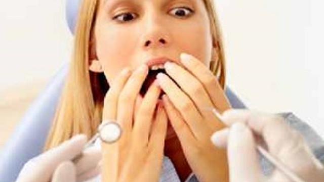 Diş hekimi fobisi diye bir şey yok mu?