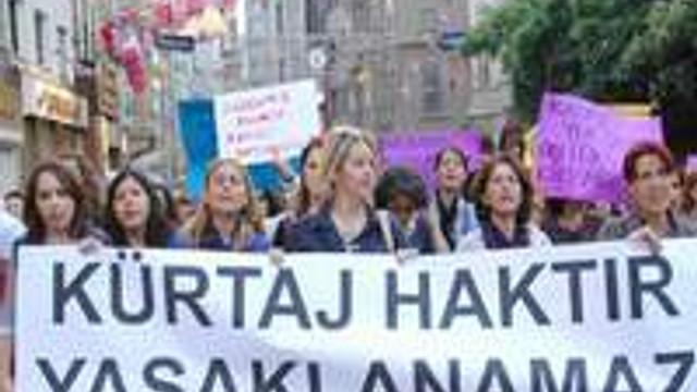 Kadınlar yarın kürtaj hakkı için sokağa çıkıyor