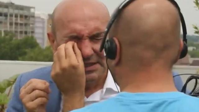 CNN Türk'te arı şoku! Konuğu arı soktu