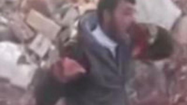 Suriyeli askerin kalbini yedi !