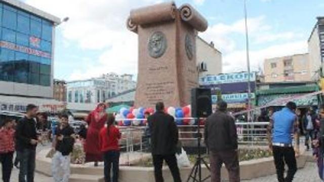 Iğdıra 4 Kürt Şair Ve Yazarın Heykeli Açıldı