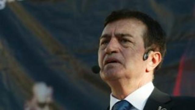 Osman Pamukoğlu'ndan seçimler için sürpriz karar