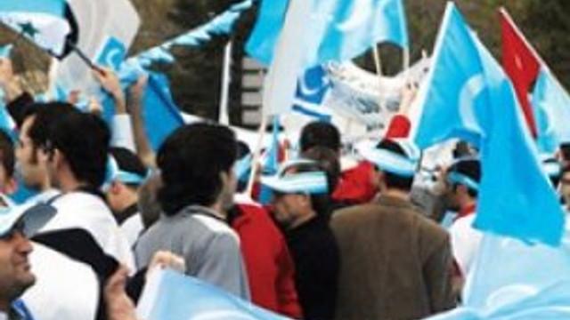 Esed Türkmenlere saldırdı