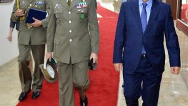 İzmir'e Nato Övgüsü