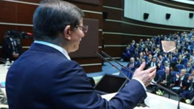 Başbakan Davutoğlu'dan 'Edep yahu' açıklaması